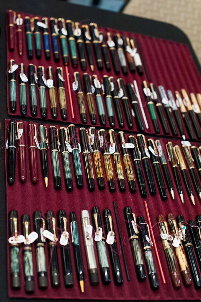 A beautiful flock of vintage and modern Pelikan pens at Rick's table.